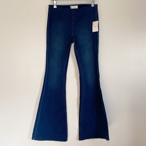 NWT FREE PEOPLE Penny Pull On Flare Jeans Blue 28
